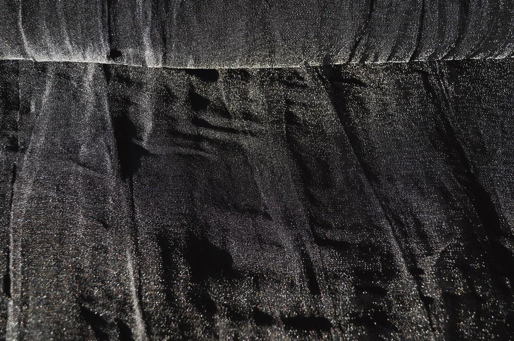 stoffe online kaufen kleiderstoff schwarz d nn gl nzend. Black Bedroom Furniture Sets. Home Design Ideas