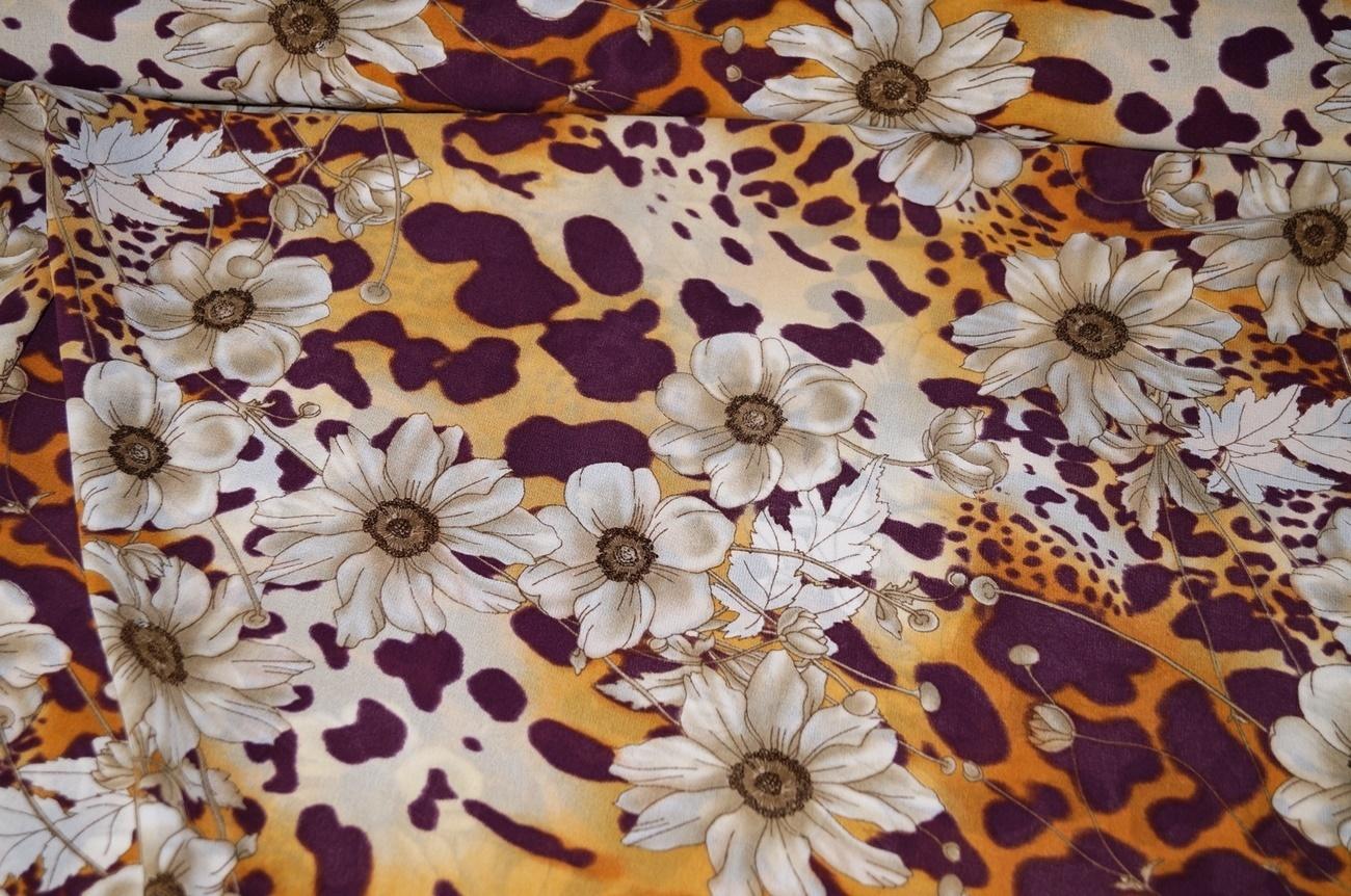 blusenstoff kleiderstoff blumen orange violett beige. Black Bedroom Furniture Sets. Home Design Ideas