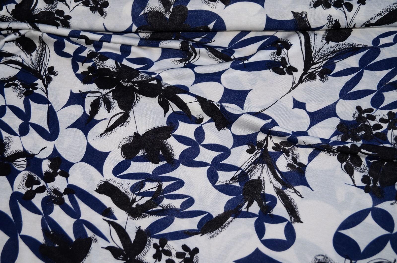 viskosejersey xxl jersey stoff viskose wei blumen schwarz blau. Black Bedroom Furniture Sets. Home Design Ideas