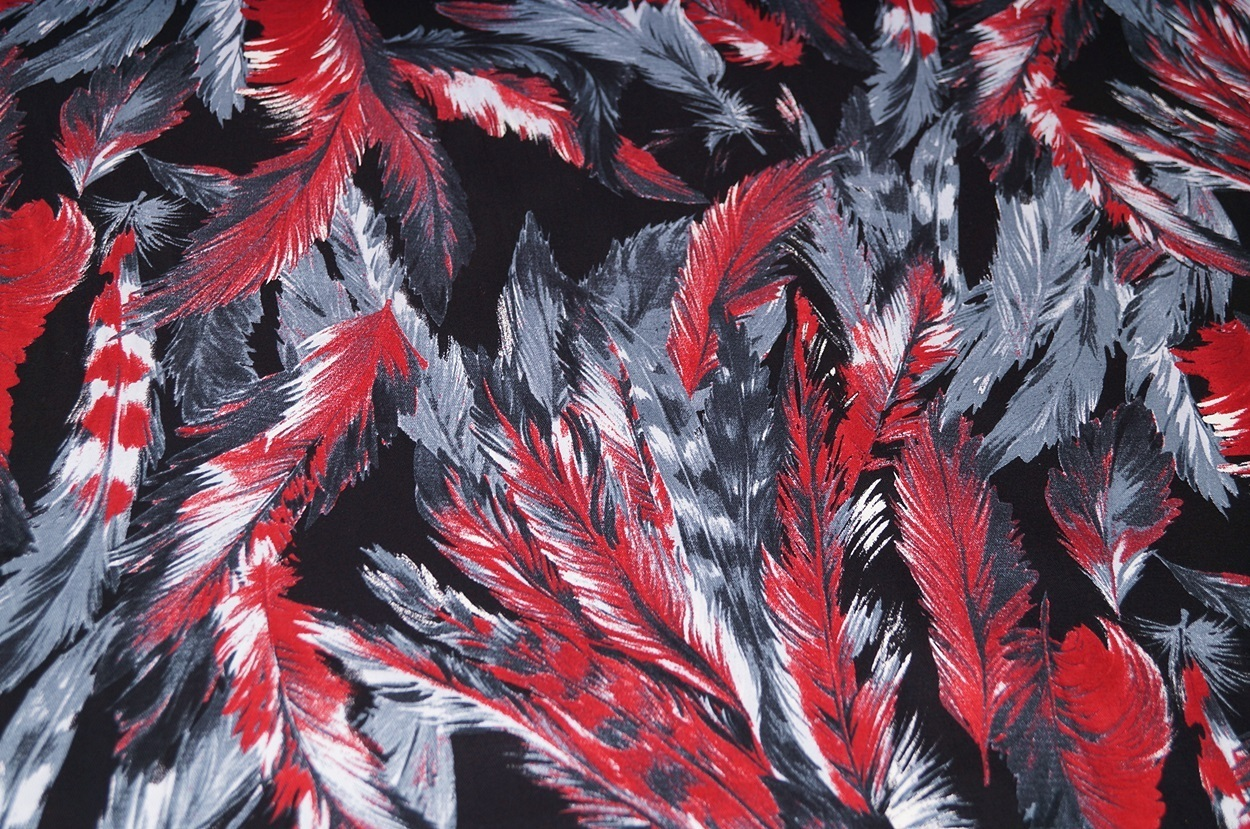 stoffe baumwolle stretch stoff schwarz rot grau federn. Black Bedroom Furniture Sets. Home Design Ideas