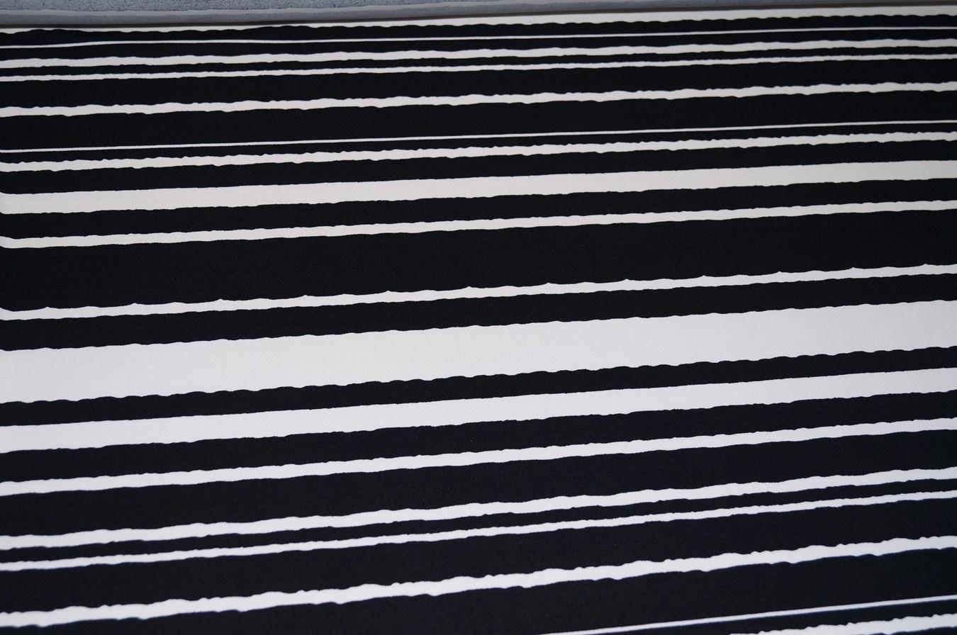italienische stoffe kaufen jersey stoff schwarz weiss. Black Bedroom Furniture Sets. Home Design Ideas